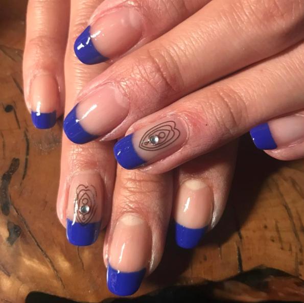 Vagina nails : un nail-art très gênant