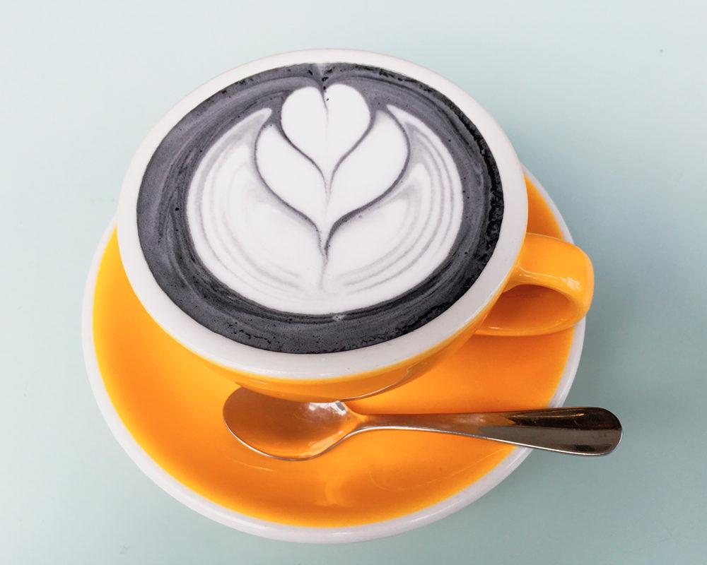 adresses-republique-charbon-vegetal-latte